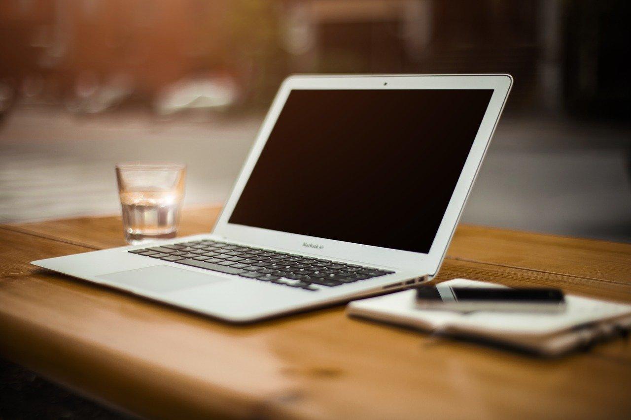 Read more about the article Realizzazione siti web Roma: caratteristiche, costi e obiettivi